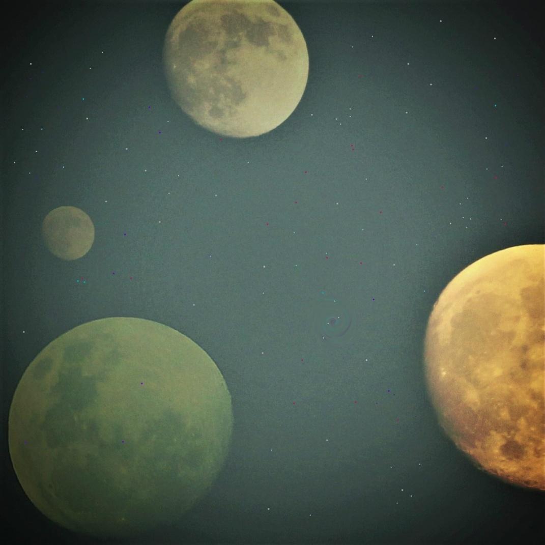 Four Moon Sky